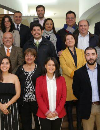 Alumnos y profesor de la UAI reciben Becas Iberoamérica de Banco Santander