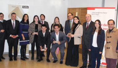 Siete miembros de la UAI reciben Beca Santander para estudiar fuera de Chile