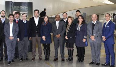 Embajador de Sudáfrica visita la UAI