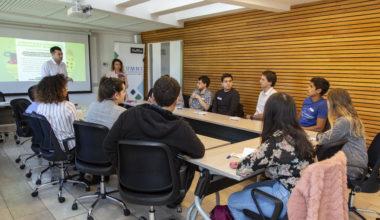 Alumni UAI realiza por primera vez su taller de Assessment
