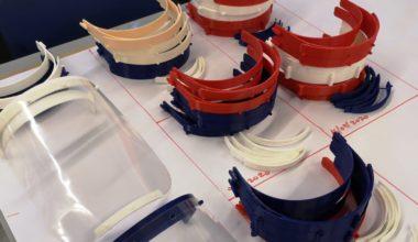 Design Engineering Center UAI entrega escudos de protección facial a Mutual de Seguridad