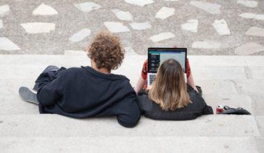 De lo presencial a lo digital: Las nuevas clases online en la UAI